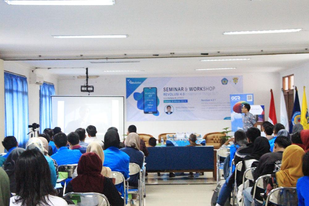 seminar-revolusi-4.0